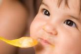 Có cần thêm mắm, muối khi nấu bột cho bé?