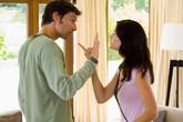 Đừng 'vạch áo cho người xem lưng' khi vợ chồng lục đục