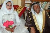 """Những cụ ông, cụ bà cưới… """"cháu"""""""
