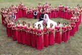 """Đám cưới """"độc nhất vô nhị"""" với 80 phù dâu"""