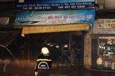 Giải cứu 3 cụ già trong vụ cháy ở trung tâm thành phố