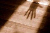Bé 9 tuổi bị trưởng ấp hiếp dâm