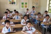 Bi hài chuyện bố mẹ bỏ tiền chạy chức lớp trưởng cho con