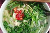 Ngày se lạnh đi ăn phở gà nóng phố Hào Nam