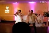 """Cô dâu, chú rể """"xõa"""" trong ngày cưới"""