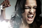 Nhục vì bị vợ sếp đánh ghen
