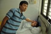 Hàng chục người nhập viện nghi ngộ độc do ăn bánh mì