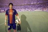 Lên Bà Nà Hills chụp ảnh với Messi, Beckham, Lý Liên Kiệt...