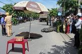 Thiếu nữ chết thảm dưới bánh xe ben
