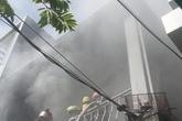 Tháo chạy khi phát hiện nhà cháy lớn ở tầng hai