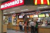 McDonald's chuẩn bị khai trương cửa hàng đầu tiên tại VN