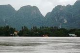 Quảng Bình: Hàng ngàn hộ dân đang chìm trong nước lũ