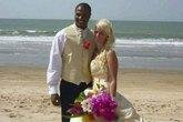 Vợ tự tử vì chồng thác loạn đến vô sinh