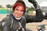 Chàng trai mù lập kỷ lục thế giới mới về tốc độ đua xe
