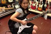 Cô bé 8 tuổi đáng yêu đánh guitar cực đỉnh