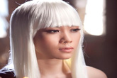 Mỹ Tâm tóc bạc trắng đầy ma mị