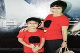 MC Thảo Vân kín đáo đưa con trai đi xem phim