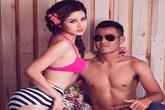 Vợ Phan Thanh Bình mặc bikini tạo dáng gợi cảm bên chồng