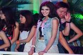 Chia tay, Andrea đứng ở góc khuất cổ vũ Yanbi trong liveshow