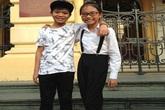 Mỹ Chi - Quang Anh khoác vai nhau thân thiết đi chơi Hà Nội