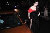 Thủy Tiên mặc sexy lái siêu xe hơn 10 tỷ đi hát