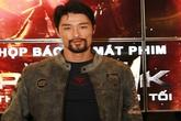 Johnny Trí Nguyễn gây bất ngờ với ngoại hình 'xồm xoàm'