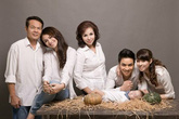 Các bà mẹ của sao Việt làm gì khi con vướng scandal?