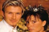 Đấu giá vương miện vàng Victoria Beckham đội trong lễ cưới