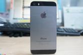 iPhone 5S bản khóa mạng giá 12 triệu hút khách