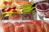 Cách chọn và sử dụng màng bọc thực phẩm tránh độc
