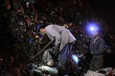 Trắng đêm mưu sinh ở bãi rác lớn nhất thủ đô