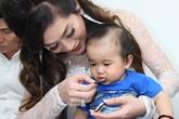 Ca sĩ  Lâm Chi Khanh nhận con nuôi