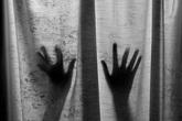 Cha thú tính cưỡng hiếp con gái rồi hạ độc cho chết