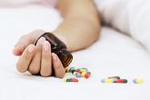 Ba mẹ con cùng uống thuốc độc tự tử