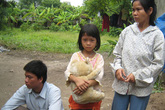 Xót xa cảnh một gia đình bốn thế hệ mù lòa