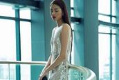 Săm soi khuyết điểm của Hoa hậu Phạm Hương