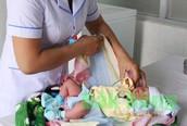 Kiểm soát mất cân bằng giới tính khi sinh: Khó, nhưng không thể không làm