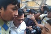"""Nguyễn Hữu Linh đi """"đường hầm"""" đến tòa phúc thẩm vụ dâm ô bé gái trong thang máy"""