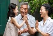 Chăm sóc người cao tuổi hay giận hờn, khó tính