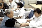 Ban hành tài liệu quản lý và nâng cao sức khỏe người cao tuổi trong bối cảnh dịch COVID-19