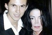 Vệ sĩ riêng nhận là cha đẻ của con trai Michael Jackson