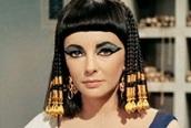 Bí thuật quyến rũ đàn ông của nữ hoàng Cleopatra