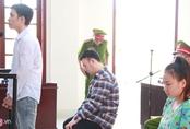 Ba bị cáo tạt axit nữ sinh ở Sài Gòn lại hầu tòa