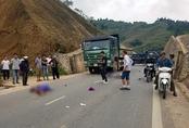Chồng tử vong, vợ bị thương nặng sau va chạm với ôtô tải