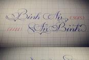 Nữ sinh có biệt tài viết chữ ngược đẹp như in