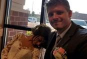 Cô dâu phải cấp cứu vào ngày kết hôn vì dị ứng nặng với hoa cưới