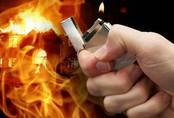 Hà Nội: Nam thanh niên đốt nhà, đâm 2 người trọng thương