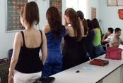 Hàng loạt người mẫu, diễn viên ở Sài Gòn bán dâm nghìn USD