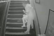 Sốc: Người phụ nữ bị yêu râu xanh bất ngờ tấn công tình dục ở quán bar