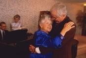 Khiêu vũ có lợi cho sức khỏe não của người cao tuổi
